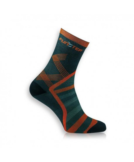 Medium black / red trekking socks